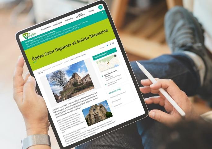 Les pages de contenus des sites réalisés avec Sempleo Commune sont riches et présentent des contenus additionnels tels que des informations supplémentaires sur le lieu et une carte de situation.
